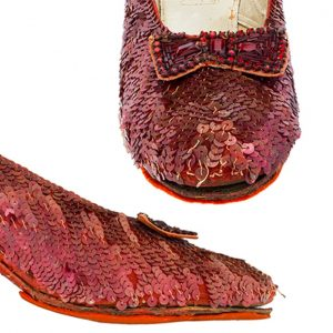 smithsonian-ruby-slippers