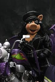 wicked-witch-miss-piggy